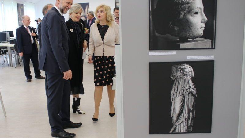 Svečano otvorenje izložbe: 'Hrvatska u srcu Europe'