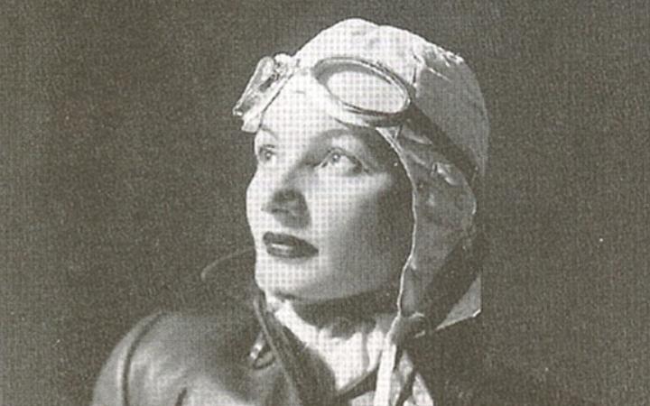 Katarina Matanović Kulenović: Prva hrvatska pilotkinja i padobranka