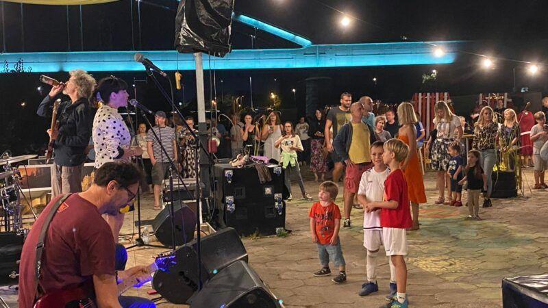 Stampedo na Green River Festivalu: Solarna plaža pretvorila se u plesni podij!
