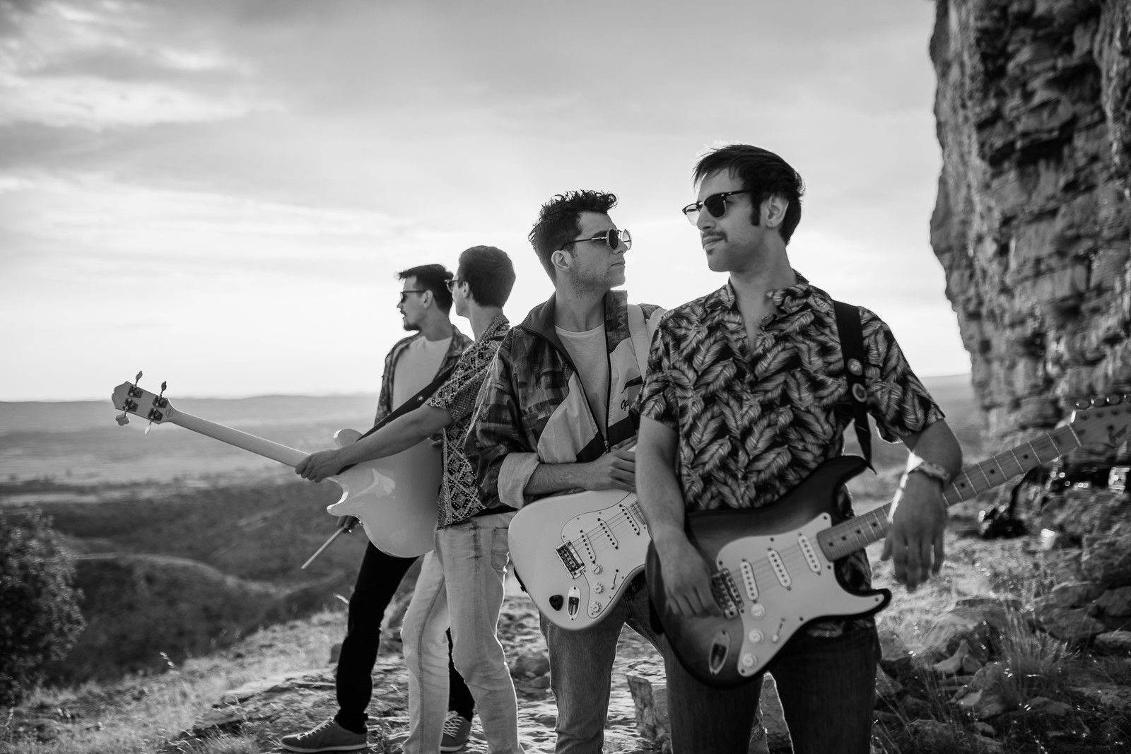 BluVinil pomiče granice: Poslušajte 'Heroje', novi singl legendarnih šibenskih Apaša