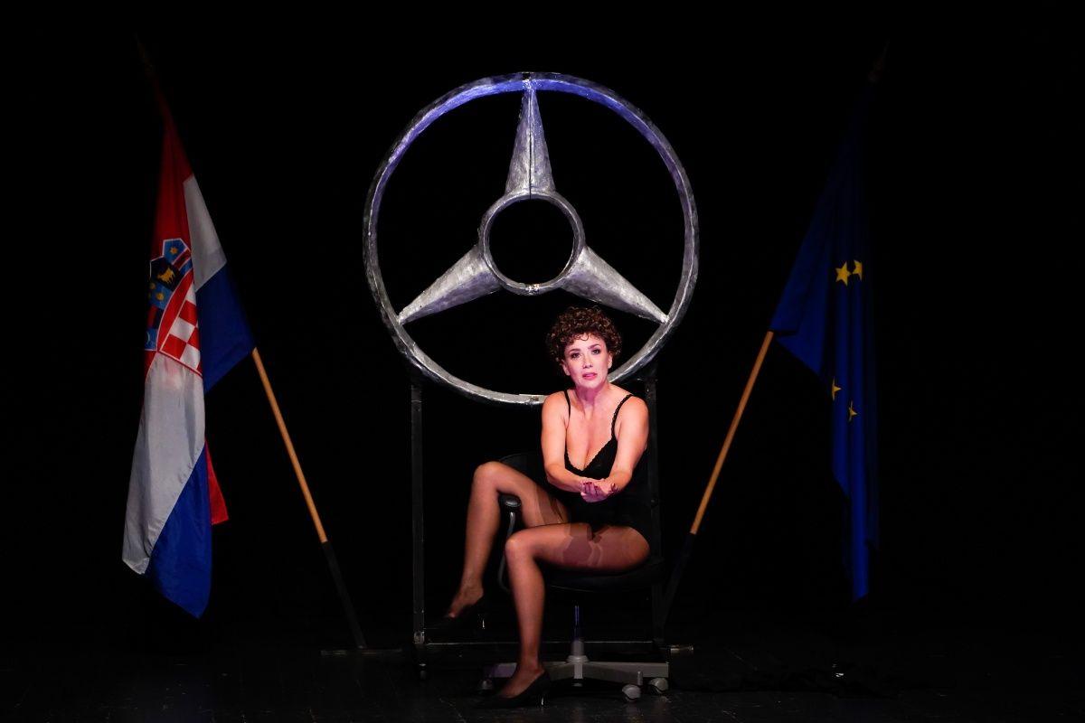 Monodrama 'Vla-Vla-Vlajland' cabaret zasluženo prikupila sve ovacije publike