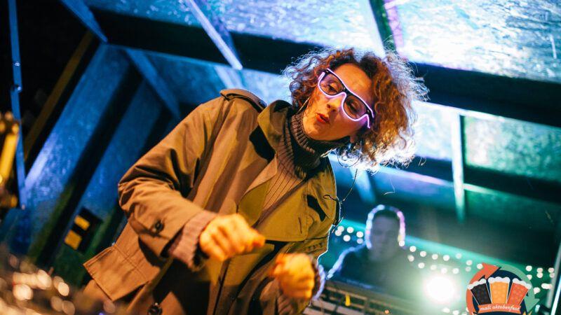 Nastupom energične DJ-ice Sanje Pandurić završeno prvo izdanje Malog Oktoberfesta u Zagrebu