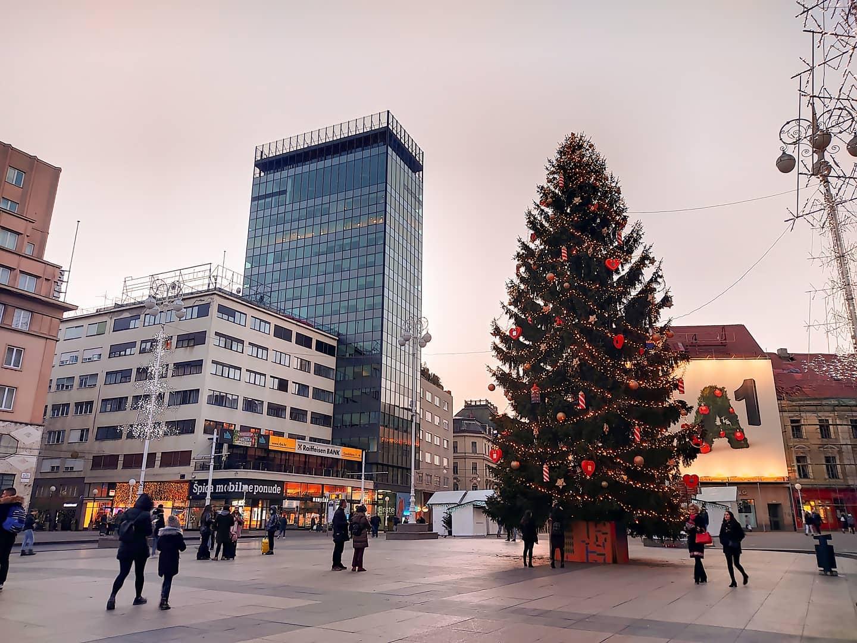 Tradicionalni božićni koncert u atriju palače Hrvatske akademije znanosti i umjetnosti uz prijenos uživo