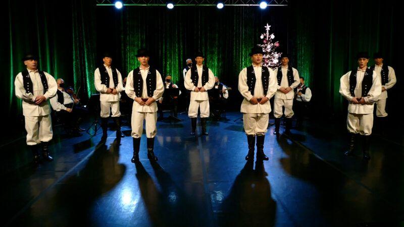 Provedite Badnjak uz božićni koncert Ansambla LADO