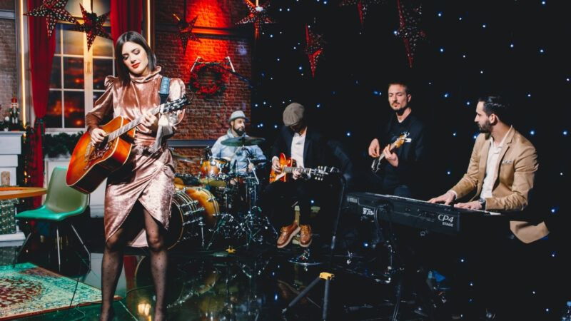 Spotom za pjesmu 'Božić bez tebe' Mia najavljuje posebnu emisiju u produkciji CMC televizije