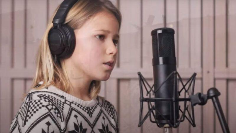 Desetogodišnja Aurelia otpjevala pjesmu 'Svjetlo nade' za djecu Banovine