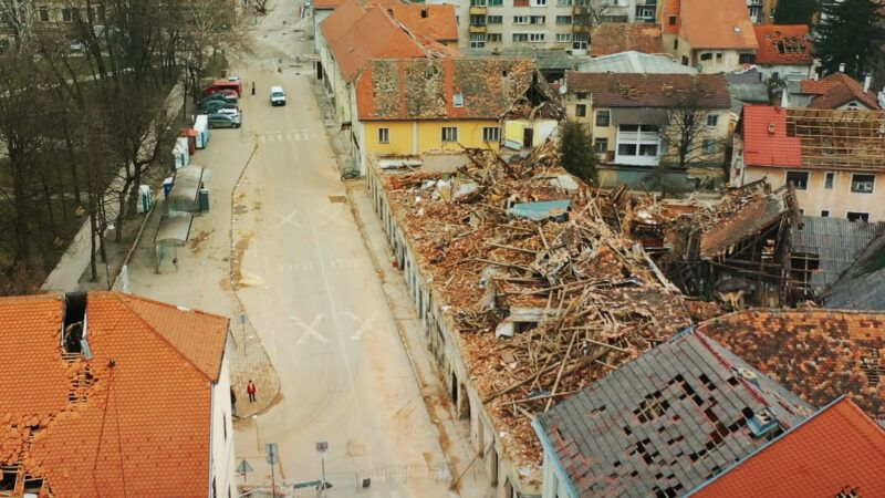 Pjesmom 'Moj dom su srca dobrih ljudi' Band Aid Slavonia i Rockoko Orchestra šire poruku ohrabrenja