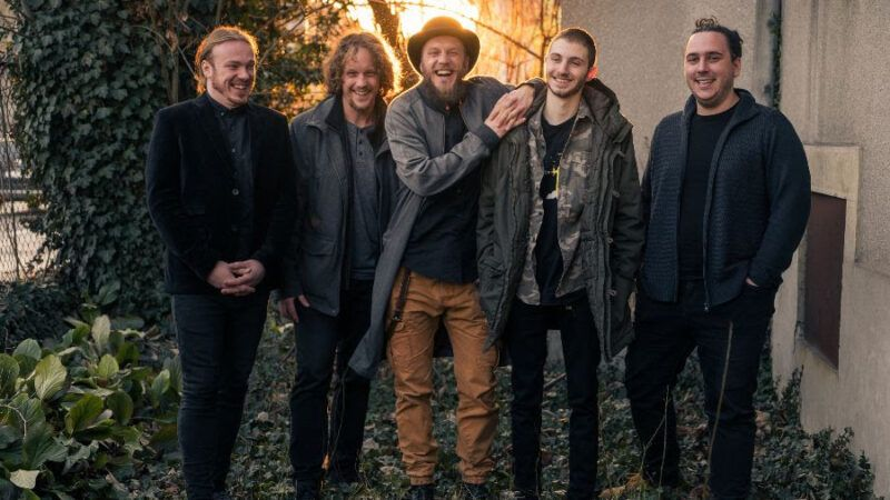 Ogenj izbacuju emocionalno nabijeni singl 'Duša', rokersku baladu s albuma nominiranog za Porin 'Si kak jen'