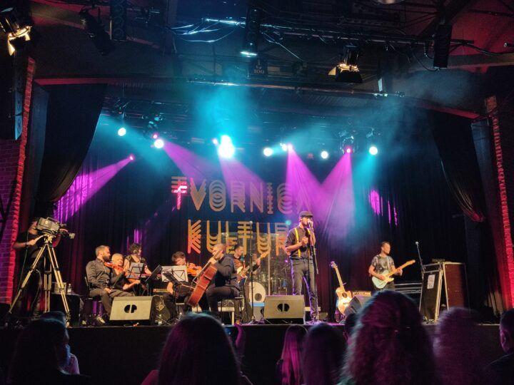 Vinko Ćemeraš sinoć je u rasprodanoj Tvornici kulture predstavio svoj prvi album