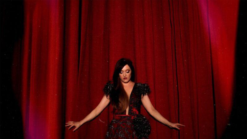 Jedna od najboljih hrvatskih vokalistica novom pjesmom donosi atmosferu poput one u filmovima o popularnom tajnom agentu