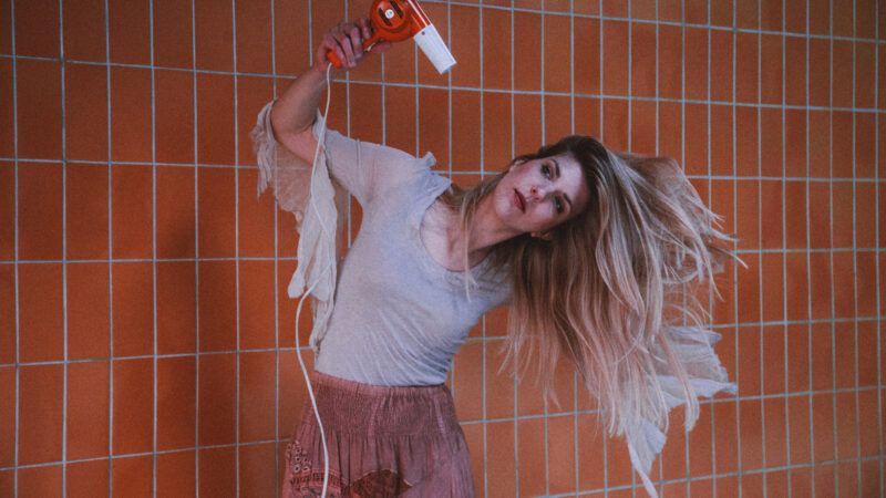 Mlada zagrebačka kantautorica Miriiam predstavlja se zaraznim pop singlom