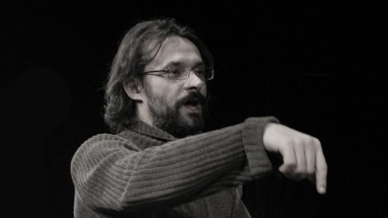 Iznenada preminuo naš nagrađivani glumac i redatelj Saša Anočić