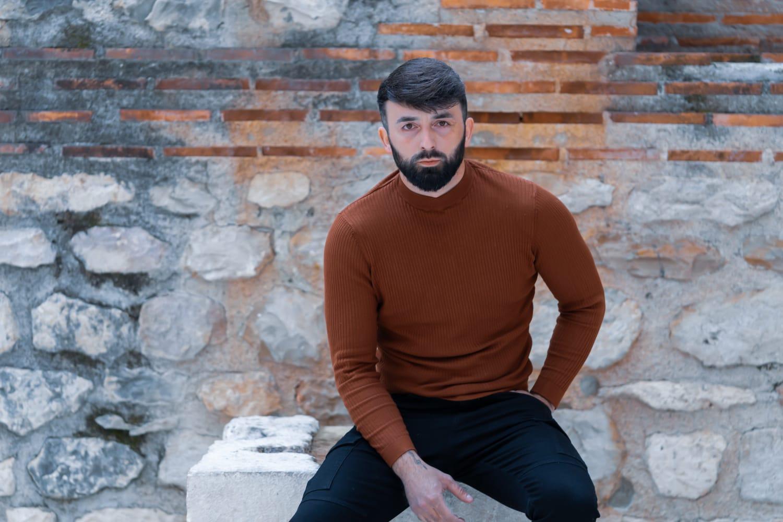 Mladi kantautor oduševljava: Teo Grčić predstavio pjesmu 'Ne zaboravljaj'