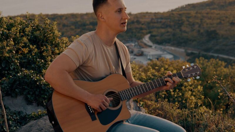 Zvonimir Detelj: Svestrani Varaždinac zarazne boje glasa, novo je ime na glazbenoj sceni