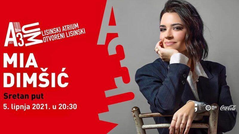 Popularna pjevačica Mia Dimšić nastupa na otvorenoj pozornici Lisinskog