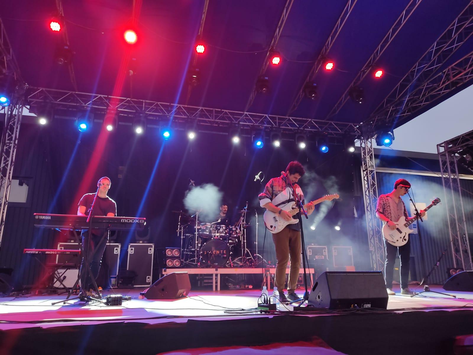BluVinil i Silente oduševili zagrebačku publiku energičnim nastupima u Hala Parku