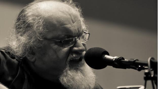 'Živim': Posthumno objavljen album najznačajnijeg kantautora duhovne glazbe na ovim prostorima