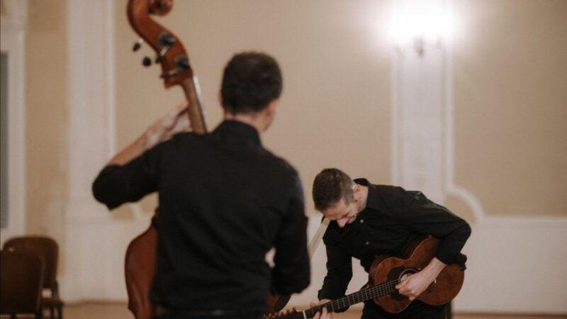 Virtuoznost kakva se rijetko viđa – Hojsak & Novosel objavili novi singl 'Grličica grkovala'