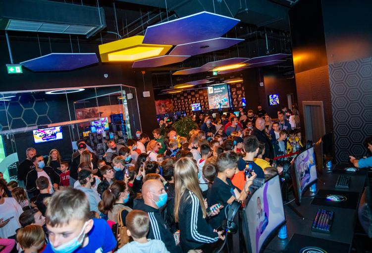 Najveća gaming dvorana u Zagrebu otvorena je uz najveće zvijezde regionalne YouTube scene